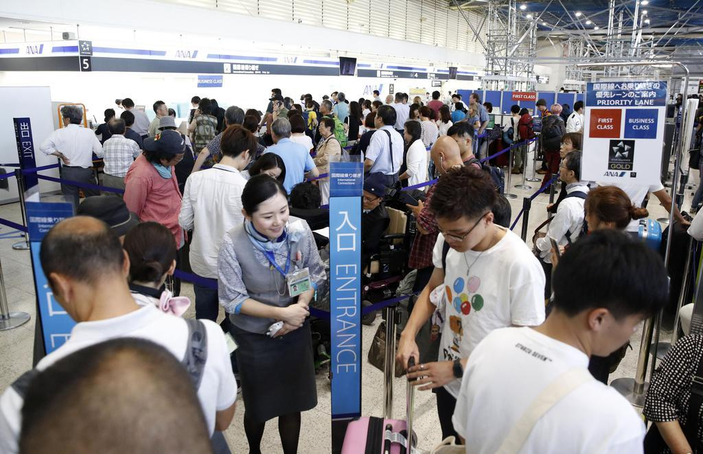 伊丹空港、保安検査を再開 刃物...