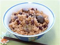 【ひなちゃんパパの家族レシピ】栗入り赤飯風炊き込みご飯