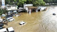 高知で大雨、川が増水し車20台水没 けが人なし