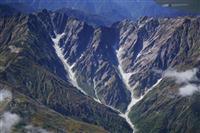 国内7カ所目の氷河確認 北アルプス、唐松沢雪渓