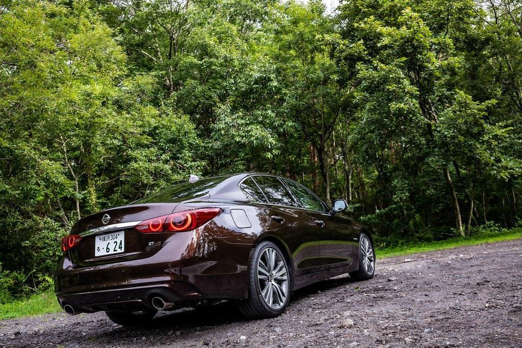全長4810mm、全幅1820mm、全高1440mmと、ロー&ワイドなプロポーション。価格は427万4640円から。試乗車のGTタイプSPは604万8000円。