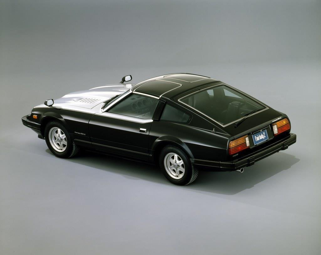 2代目フェアレディZは、2.0リッターのL20型直列6気筒エンジンのほか、2.8リッターのL28型直列6気筒エンジンも選べた。
