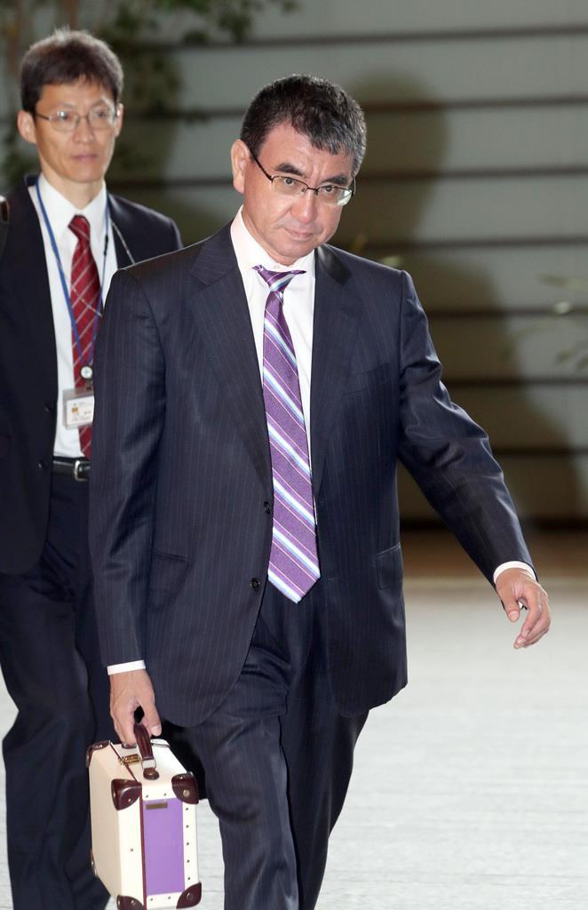 河野太郎防衛相=8日午前、首相官邸(春名中撮影)