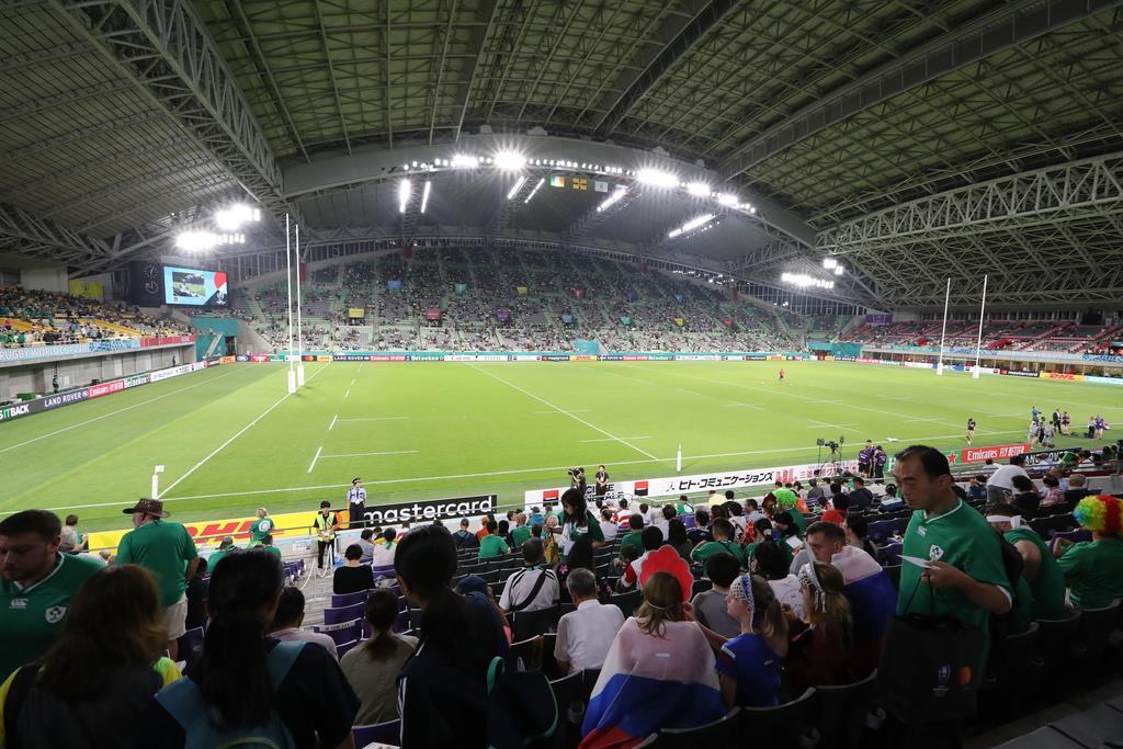 アイルランド-ロシア戦が行われたノエビアスタジアム神戸。巨大な屋根は閉じられている=3日、神戸市兵庫区(恵守乾撮影)