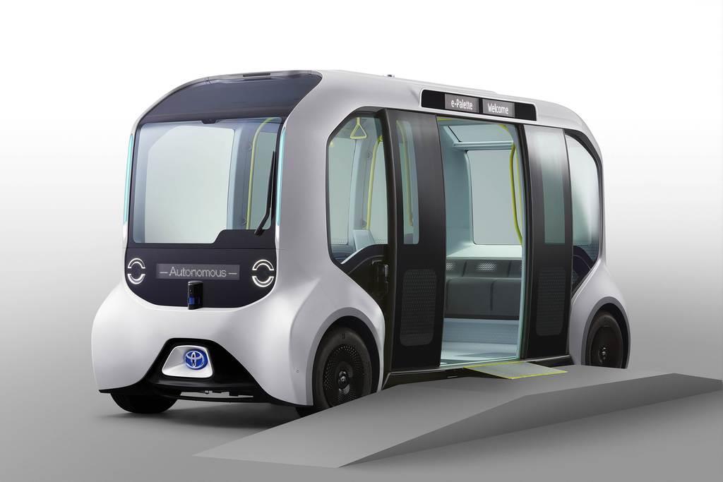 東京五輪・パラリンピックの選手村内循環バス仕様のトヨタ自動車「イーパレット」(トヨタ提供)