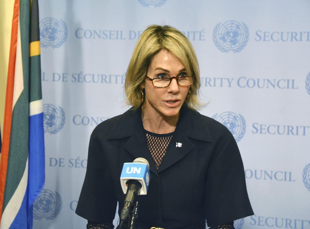 トルコのシリア軍事作戦に関する国連安保理の会合後、記者団に語る米国のクラフト国連大使=10日、米ニューヨークの国連本部(共同)