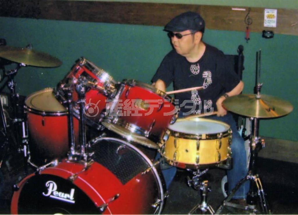 高校時代に出会ったドラムが山下純一さんの人生を変えた(本人提供)