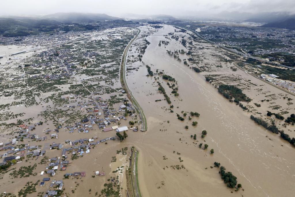 長野・千曲川で堤防約70メートルにわたり決壊、5メートル浸水…