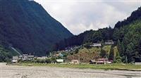 山梨の秘境「奈良田」が孤立 地区につながる県道崩落
