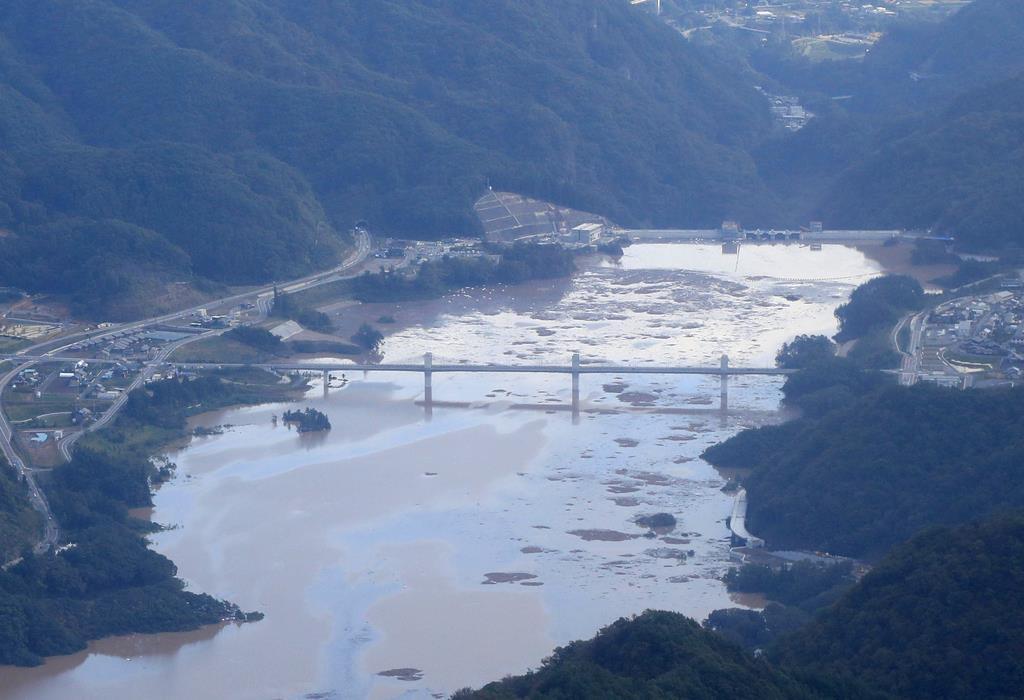 八 ッ 場 ダム 台風