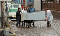 【台風19号】長野市穂保地区で復旧本格化 ぬかるみで作業難航