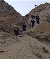 本場イスラエルで護身術「クラヴマガ」を学ぶ(下) 実弾で射撃訓練、浜辺でほふく前進…疲…