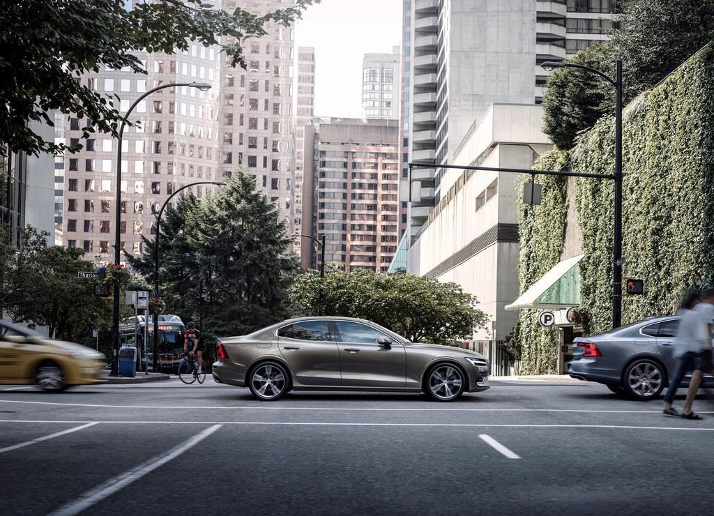 新型S60は限定導入されたS90と異なり、日本でもカタログモデルになるようだ。
