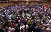 英議会、EU離脱案採決見送り 首相は延期申請を否定