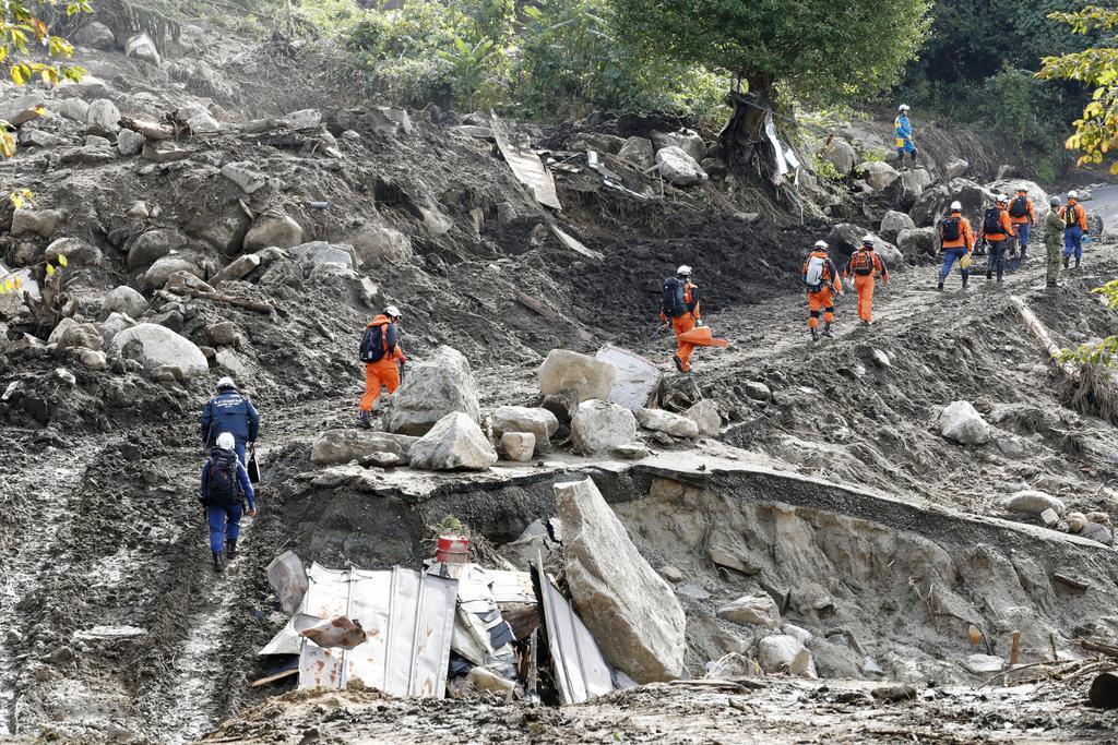 台風19号、不明者の捜索続く 避難所には4000人超
