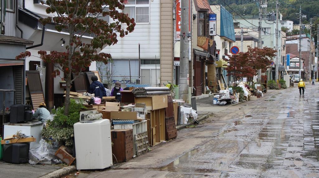 【台風19号】長野・飯山の商店街、「再開のめど立たない」浸水…