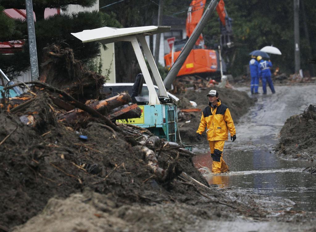 被災地に雨、被害拡大懸念 東京・三宅島で1時間89ミリ