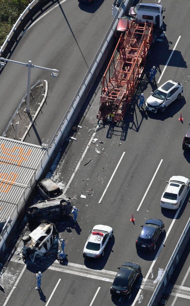 車7台が事故、17人負傷 0歳児ら愛知・伊勢湾岸道