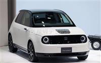 【東京モーターショー】ホンダ、来年発売都市型EV「ホンダe」 後輪駆動でコンパクトさカ…