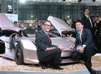 進次郎環境相、東京モーターショーで環境省のエコカーPR