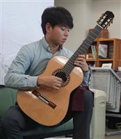 吉野スギのギター「弦楽器フェア」出品