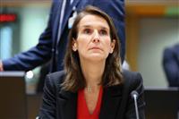 ベルギー首相、初の女性に 少数与党の暫定政府