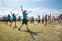 【沖島から-秋・みのり(上)】太鼓、歓声で大人も子供も 島ぐるみの大運動会