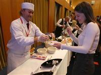 ロシアで北海道PRイベント 郷土料理などに舌鼓