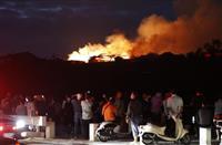 真っ赤な炎、象徴のみこむ 「やっと復元」住民悲痛 首里城火災