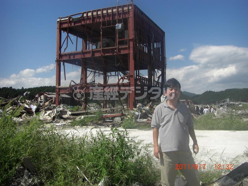 東日本大震災から半年後に被災地の宮城県気仙沼市を訪れた高嶋さん =平成23年9月撮影