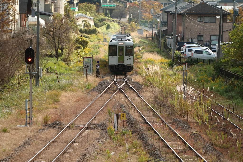 一部区間で運転が再開された磐越東線。利用客はホッとした様子だった=6日、福島県三春町(芹沢伸生撮影)