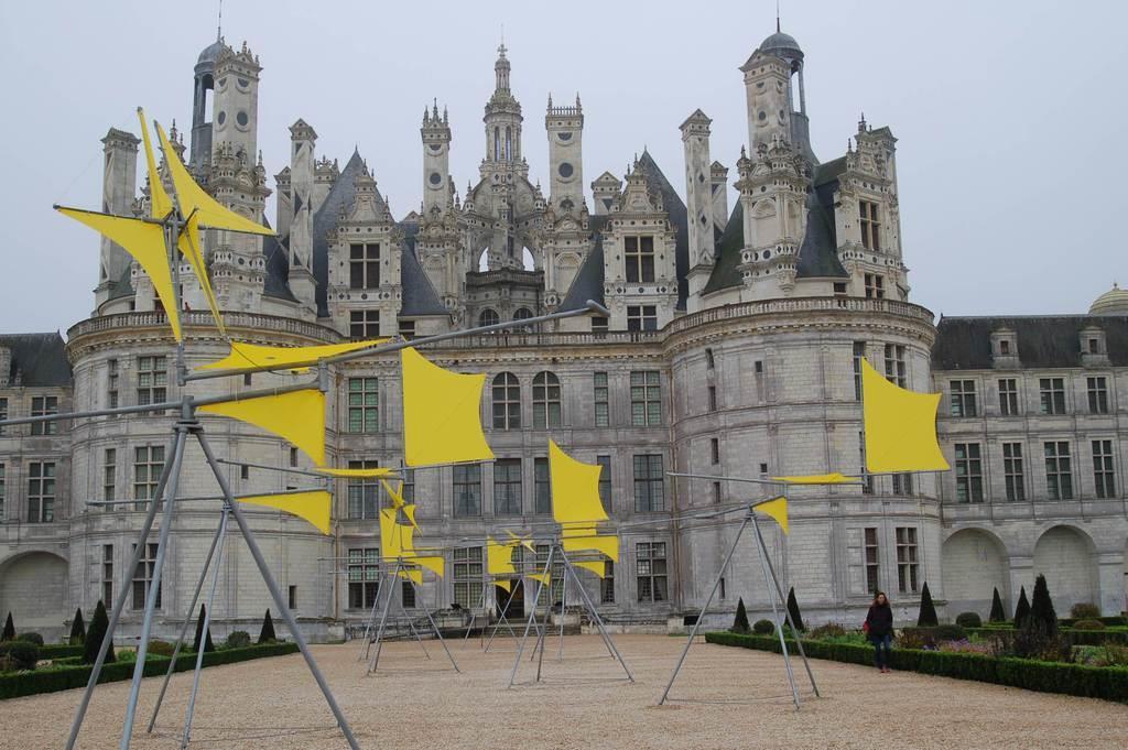 フランスのシャンボール城を彩る新宮さんの作品(三井美奈撮影)