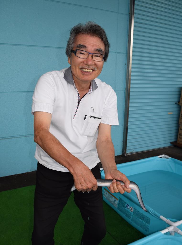 「うなぎミュージアム雑魚寝館」館長の亀井哲夫さん