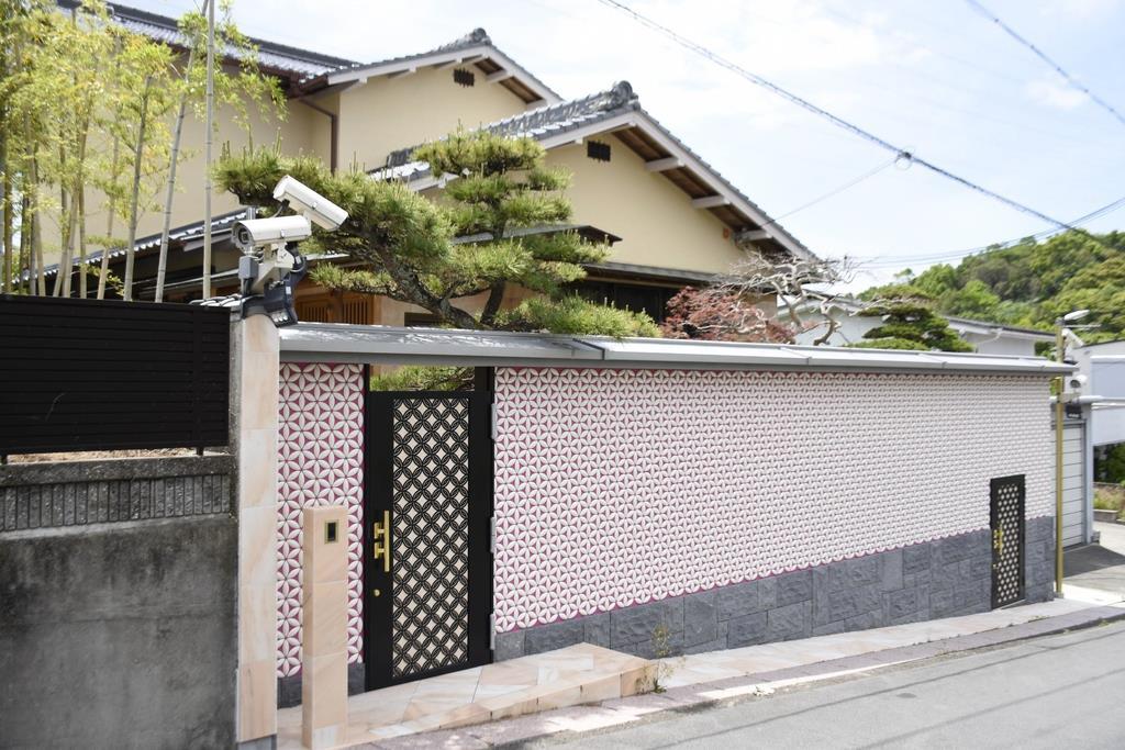 昨年5月に急死した野崎幸助さんの自宅=和歌山県田辺市