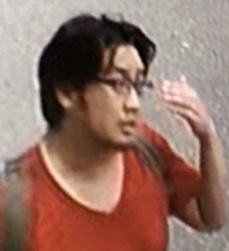 京都府宇治市内の防犯カメラに写った青葉真司容疑者