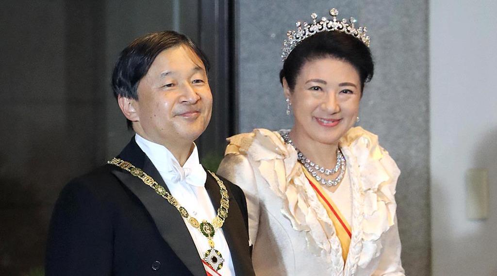 「祝賀御列の儀」で赤坂御所に到着された天皇、皇后両陛下=2019年11月10日午後3時35分、東京都港区(代表撮影)