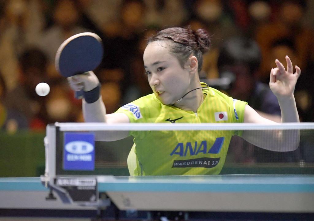 女子準決勝 韓国戦の2試合目で勝利した伊藤美誠=東京体育館
