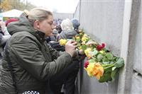 ユンケルEU委員長「平和で自由な欧州」たたえる 「壁」崩壊30年