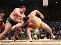 荒れる大相撲九州場所 審判長「全体的に淡泊だった」
