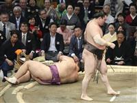 白鵬、朝乃山下し2勝目 連敗回避、全勝は平幕3人 大相撲九州場所