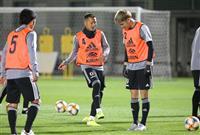 サッカー日本代表、ベネズエラ戦へ合宿開始