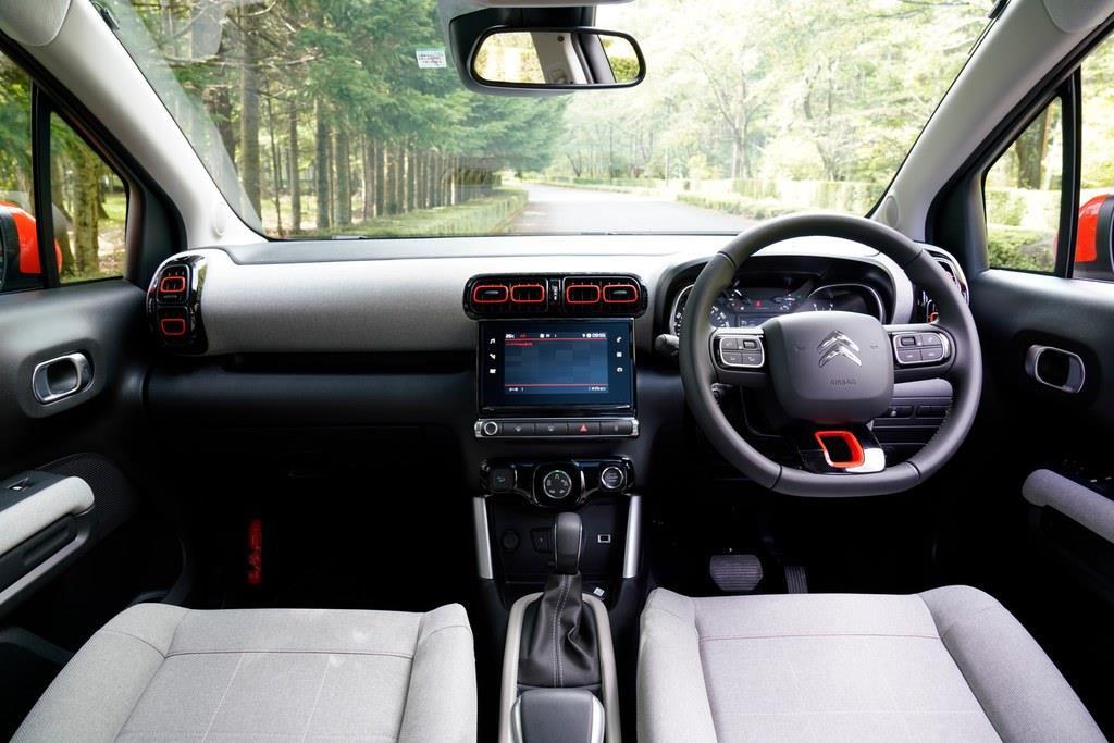 センターコンソールの7インチタッチスクリーンでは、Apple CarPlayやAndroid Autoを利用可能。使い慣れたナビアプリを利用することができるのはうれしい。