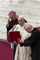 ローマ法王、訪日前にメッセージ 核兵器廃絶への思い訴え