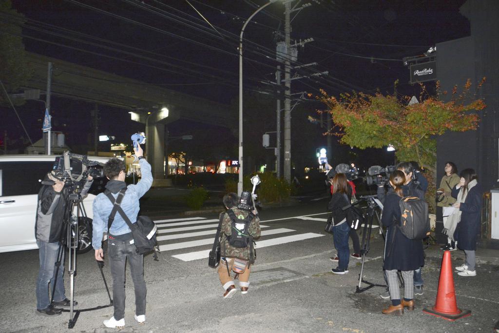 中学生の列に乗用車が突っ込んだ、北九州市小倉南区の横断歩道=20日夜