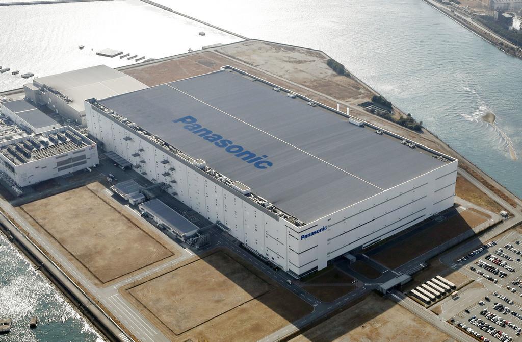 液晶パネル生産を終了するパナソニックの工場=兵庫県姫路市