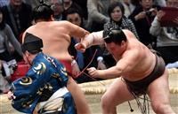 白鵬、43度目の優勝に王手 大相撲九州場所