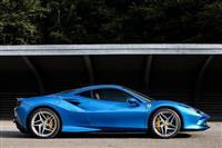 V8ミドシップの集大成! F8トリブートにはスーパーカーの楽しみが詰まっている
