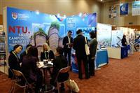 国内外の大学が研究発信 福岡で英大学評価機関総会