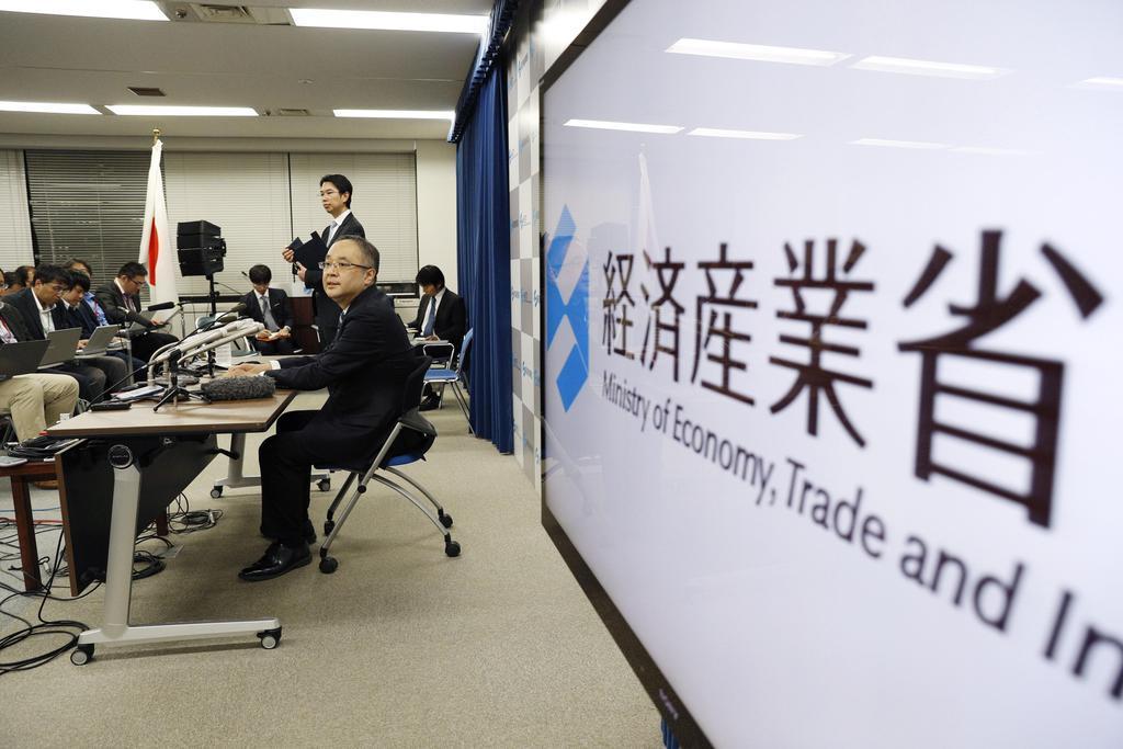 対韓輸出管理の厳格化に関して経産省が開いた記者会見=22日、東京・霞が関