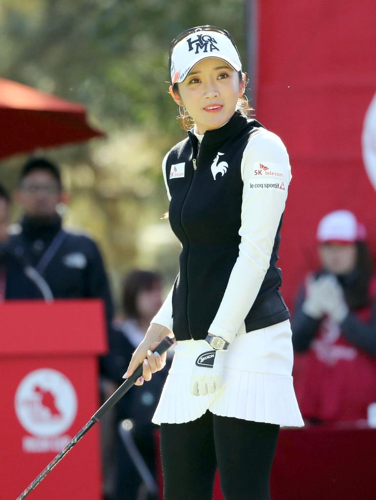 LPGAツアー選手権リコー杯 2日目 1H 3位タイで終了したイ・ボミ=宮崎CC(撮影・中島信生)